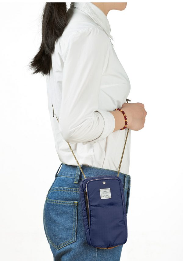 325-trắng-Túi đựng passport có dây đeo NATUREHIKE NH17X010-B-2