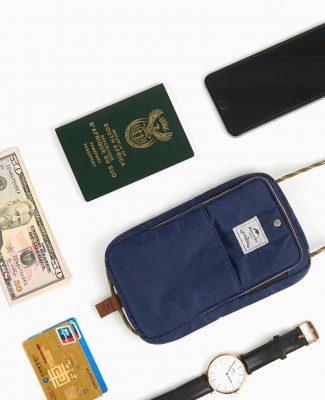 túi đựng passport có dây đeo cổ NatureHike NH17X010-B-13